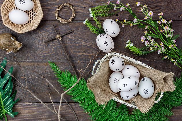 Easter eggs, cross, crown decorative display