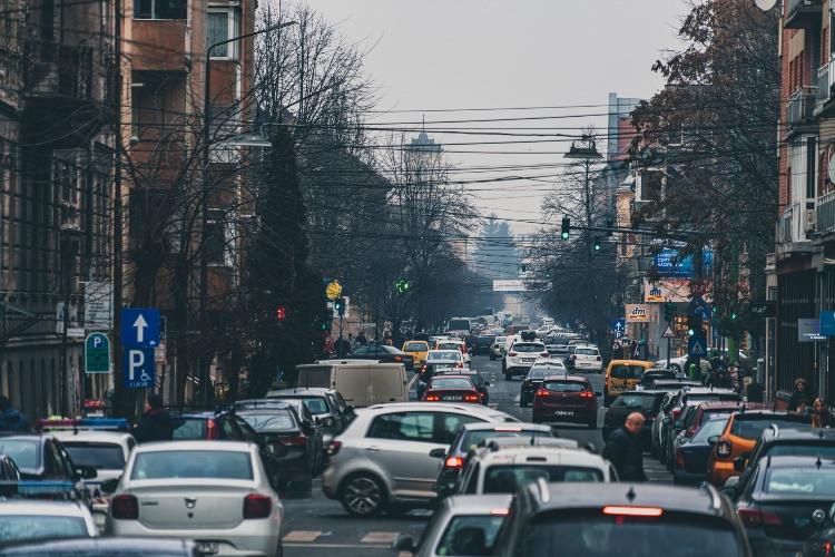 Traffico in centro città.