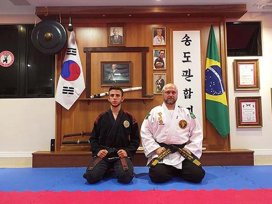 Mestre e instrutor