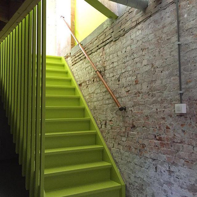 Trap geschilderd etc mooi groen is niet lelijk Rotterdam #vakwerk #schilderwerk #sigma