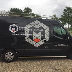 Bedrijfs bussen van bouwbedrijf Molenaar&Molenaar mogen vzv nieuwe huisstijl #reclameschilder #recla