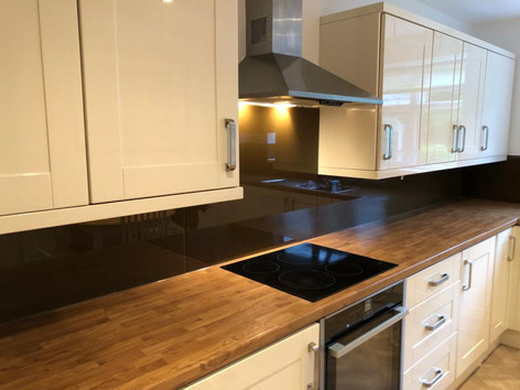 Brown splashback
