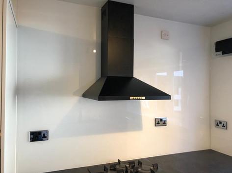 White Glass Splashback Worktop to Ceiling