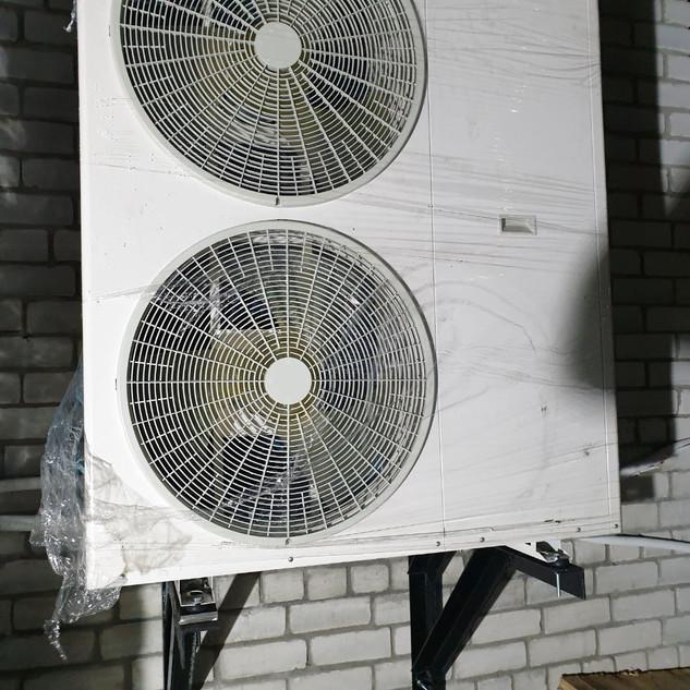 Монтаж теплового насоса DanHeat на 18 кВ