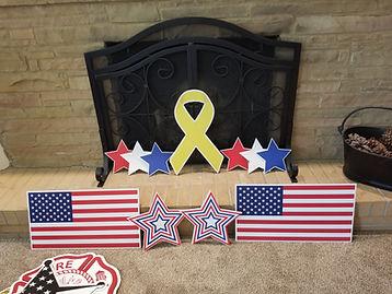 yelow ribbon and flags.jpg