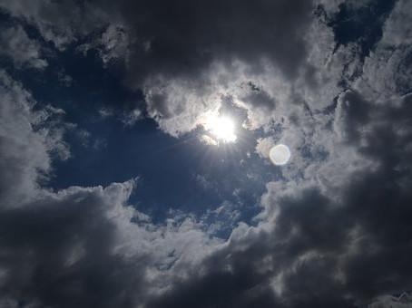 ¿Funcionan los Paneles Solares en días Nublados?
