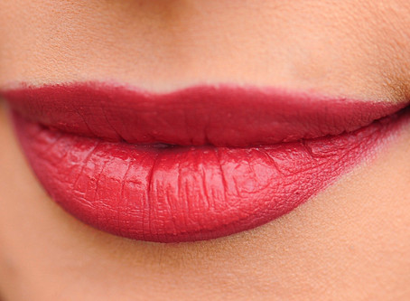Why Switch to Organic Lip Balm: Tips and Tricks for Having Healthy Lips Throughout the Year