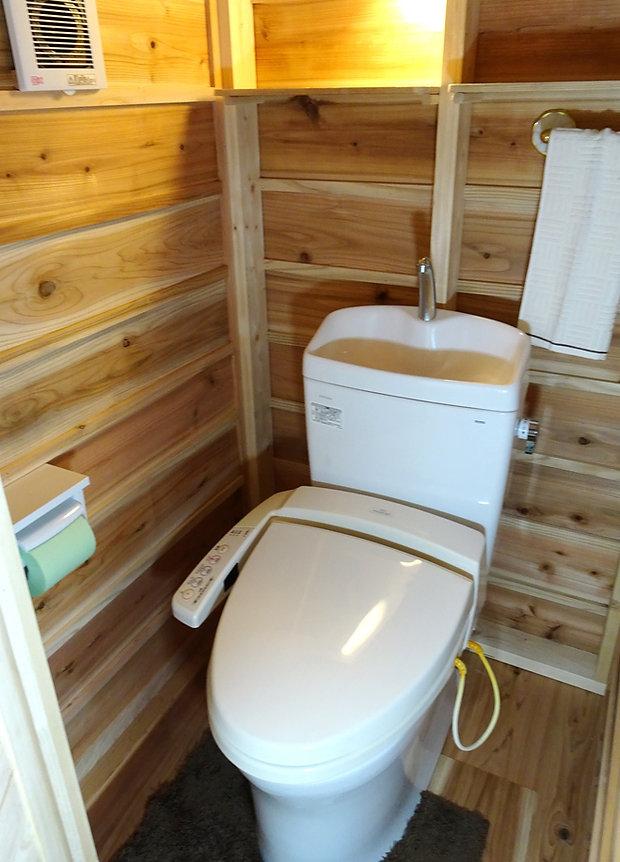 緑トイレ.JPG
