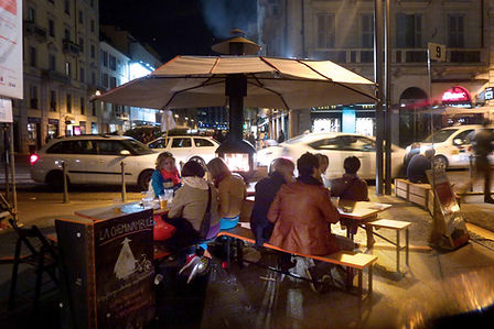 cheminée mobile, rue, nuit, street food, chaleur, concept, convivialité, design, milan, italie