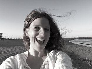 Portrait_Elena_S-W.JPG