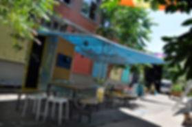 bidouillou, atelier DIY mobile, z'ambules, bibliambule, bibliothèque mobile, ludotèque, espace public, réunion, hors les murs, parasol, être ensemble
