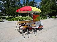 ludothèque ambulante, jouer dans l'espace public, vélo, ludique