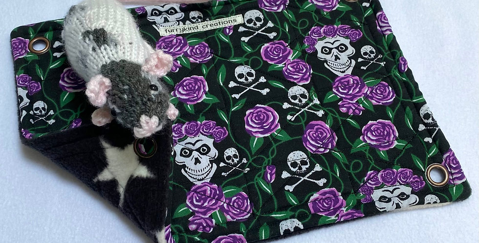 Skulls/roses & black stars single