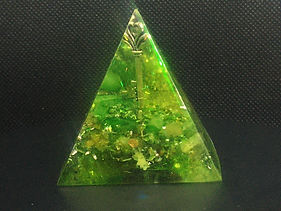 Orgonite Piramide key to the heart