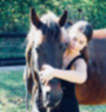Sophie Nicoli Ostéopathe pour animaux Spécialiste équin