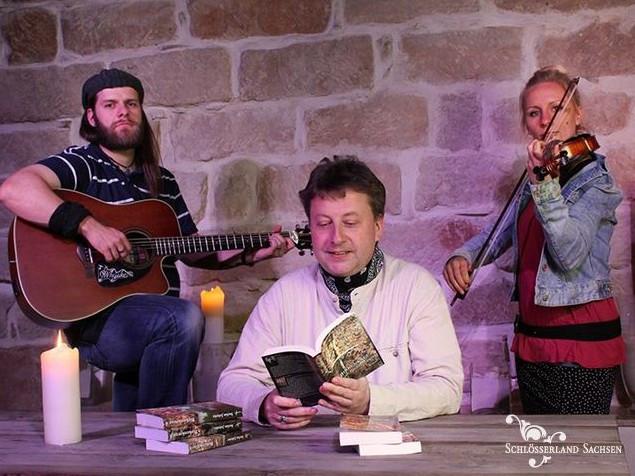 Lust auf Sachsen  Musikalisch-Kulinarische Lesungsreihe, Bildquelle: http://www.barockschloss-rammenau.com/de/veranstaltungen-ausstellungen/detailseite/event/musikalisch-kulinarische-lesungsreihe-die-birkenkreuzsaga/7282/