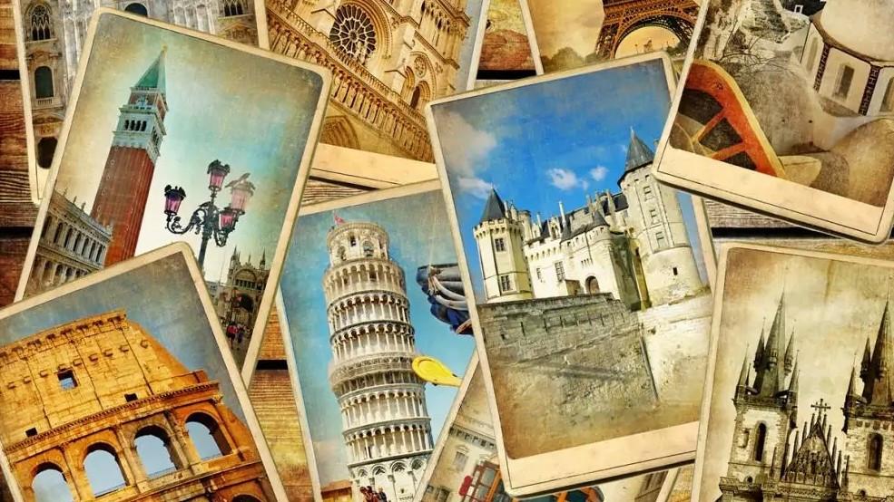 Welche Regeln gelten aktuell in welchen Urlaubsländern? Eine neue Webseite gibt Auskunft. (©Freesurf/stock.adobe.com)