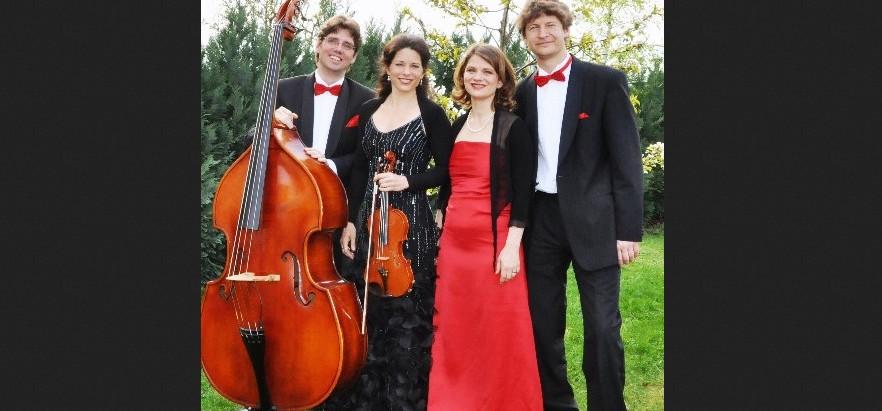 Glücksbringer Kathy Leen & Dresdner Salonorchester im Schillergarten