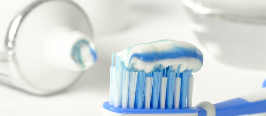 Gesund & Fit: Coronatest mit Zahnpasta