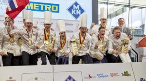 """Die norwegische Köche-Nationalmannschaft ist der Gesamtsieger in der Kategorie """"Nationalmannschaften"""" der 25. IKA/Olympiade der Köche. (Foto: ©IKA/Culinary Olympics)"""