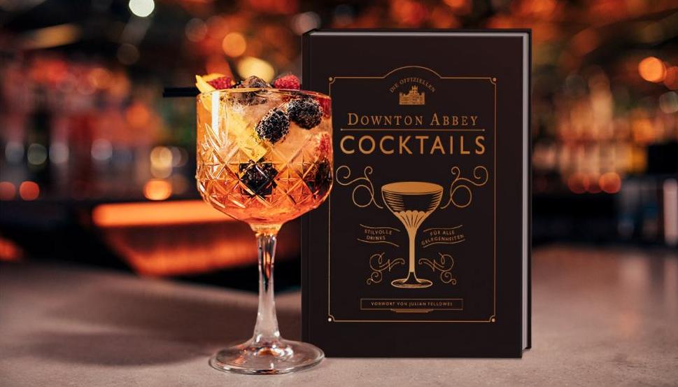 """Für Fans der britischen Serie und Liebhaber diverser Drinks im Twenties-Style ein wahrer Genuss: """"Die offiziellen Downton Abbey Cocktails"""". (Foto: ©SolStock/iStock/Getty Images Plus/Getty Images)"""