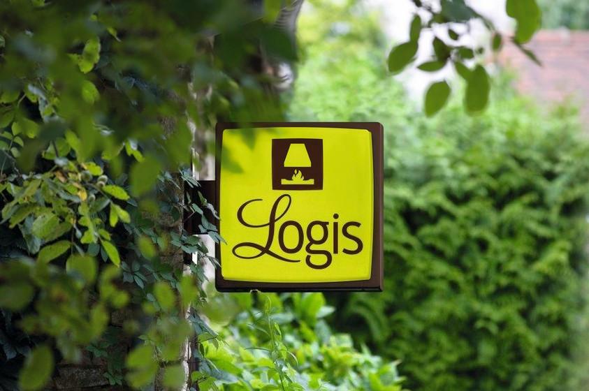 Was ist los in Dresden und Umgebung - Logis-Logo an einem Logis-Hotel. Bildquelle: Logis-Hotels / Francis-Demoulin.