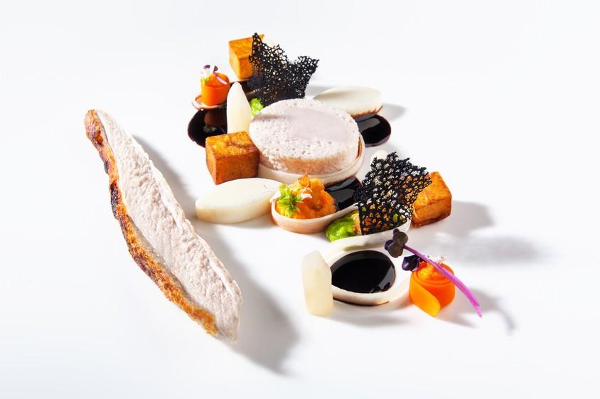 Das Schlüsselfoto der Kochsternstunden 2018: Ein Auszug aus dem aktuellen Menü des Vorjahressieger-Restaurants Schönburger Palais. Bildquelle: Narciss & Taurus.