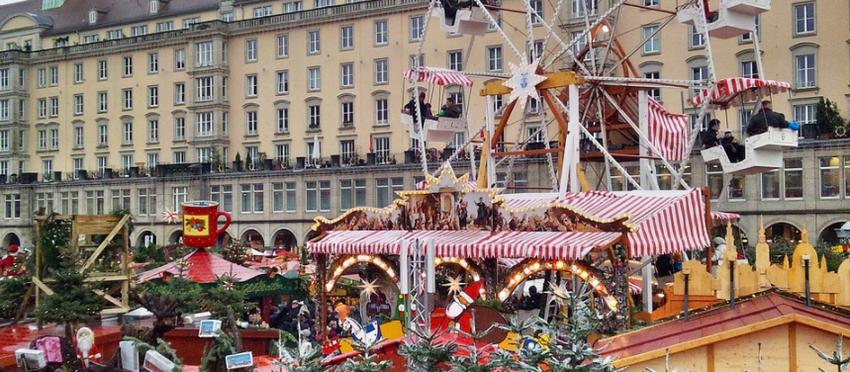 586. Dresdner Striezelmarkt wächst an die Elbe