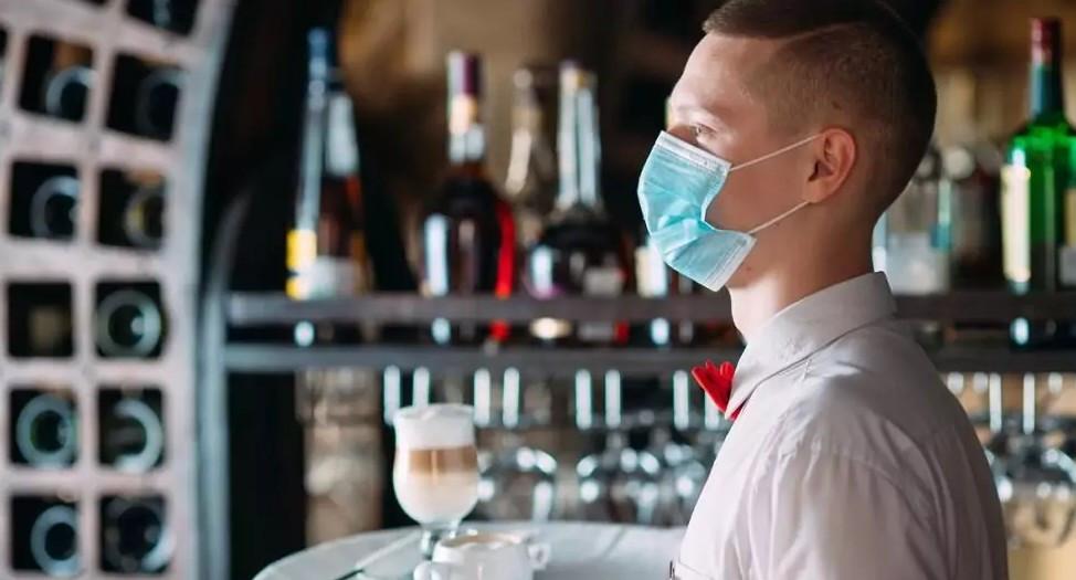 """Dehoga Rheinland-Pfalz: """"Wenn wir die Eckkneipe, die Gastwirtschaft, die Bars, Clubs und Diskotheken nicht verlieren wollen, müssen wir sie ganz schnell wieder öffnen lassen"""" (©davit85/stock.adobe.com)"""