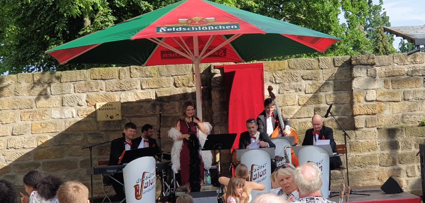 Dresdner Salonorchester - Schwung und gute Laune-Stimmung im Schillergarten