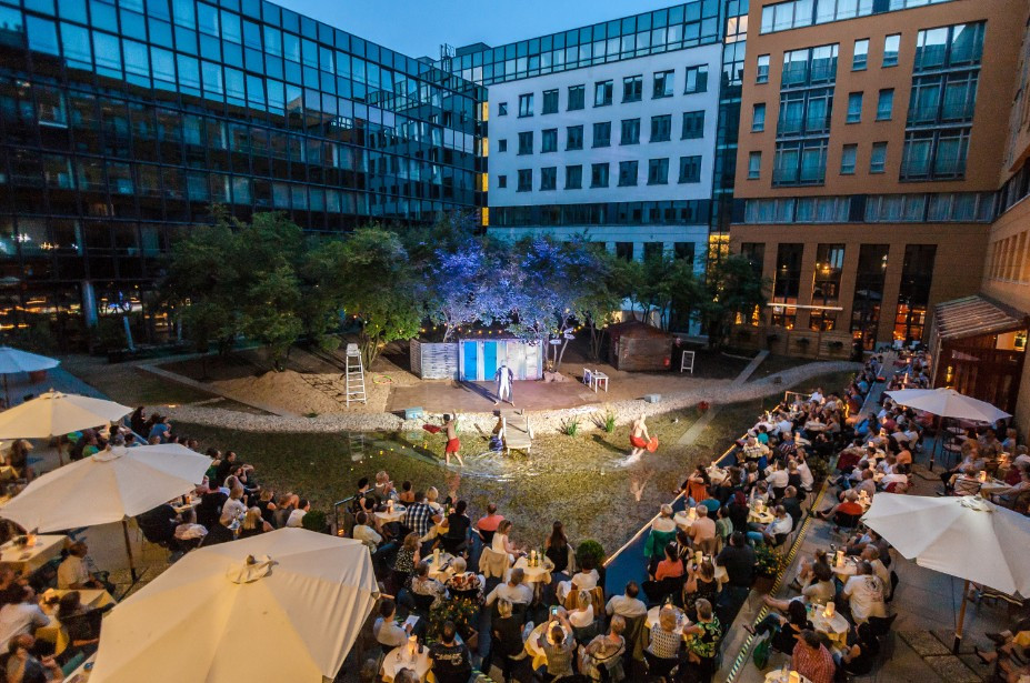 Was ist los in Dresden - COMÖDIE DRAUSSEN – SOMMER, SONGS & THEATER-OPEN-AIR