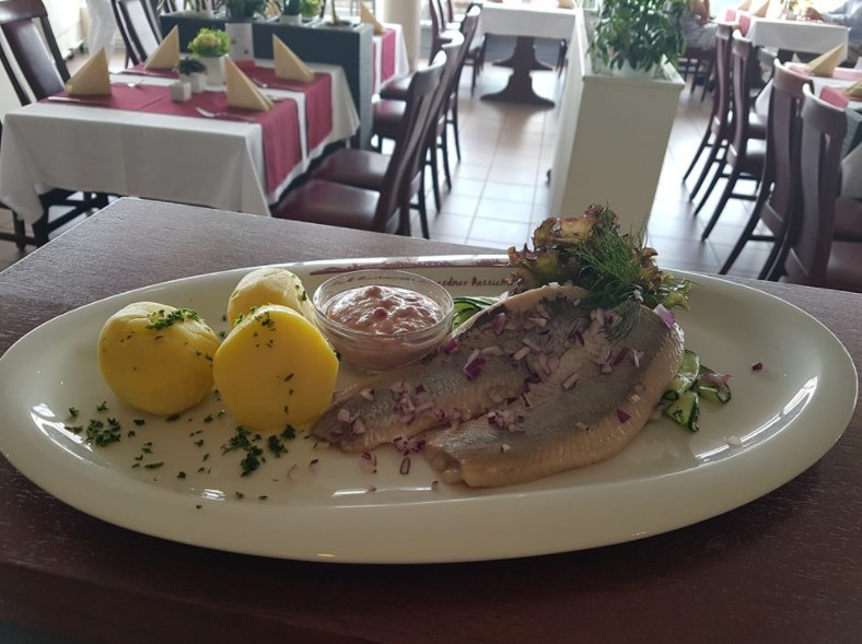 Ab heute bei uns...passend zum warmen Wetter - Café & Restaurant Dresdner Aussicht