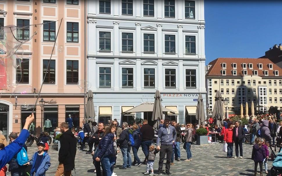 Lust auf Sachsen - Dresden isst bunt – Gastmahl auf dem Neumarkt am 13. Juni 2017