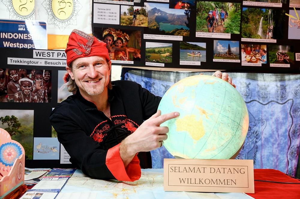 Falko Flämig stellt bei den schulz aktiv- Reisetagen Bali und Lombok vor
