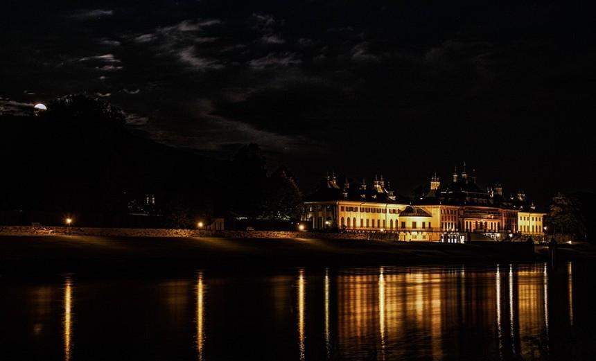 Was ist los in Dresden - GOLDEN ACE - MAGIE und DINNER im Schloss Hotel Dresden Pillnitz