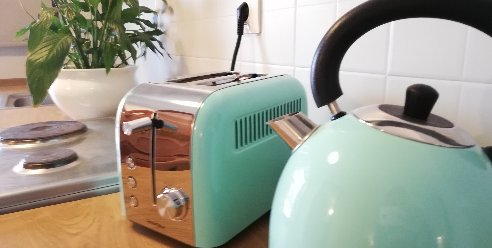 Toaster, Kettle, Oven, Hob