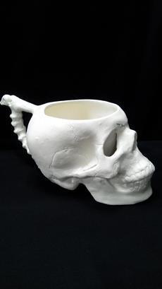 Кружка-череп с ручкой