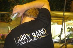 CARLO MEONI voce maschile e showman della LARRY BAND_foto di Antonella Andreetto