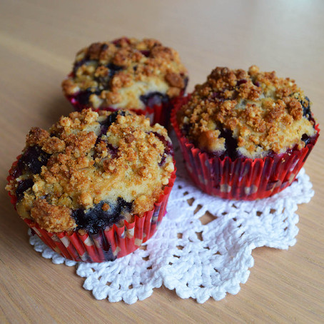 MUFFIN AMERICANI CON MIRTILLI E CRUMBLE (come quelli di Starbucks)