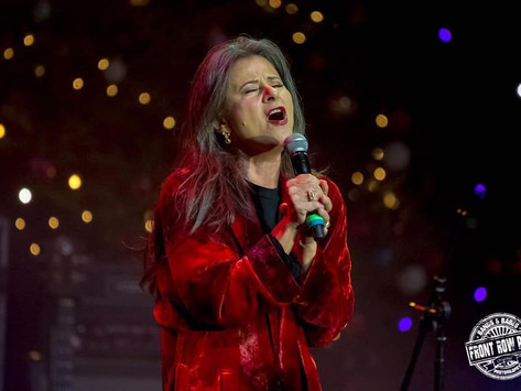 Tracey Performs at The Andy Kim Christmas Show