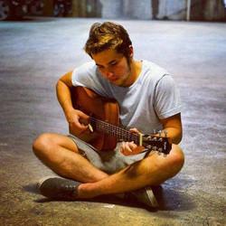 Jow Hurworth - Guitar   Singer