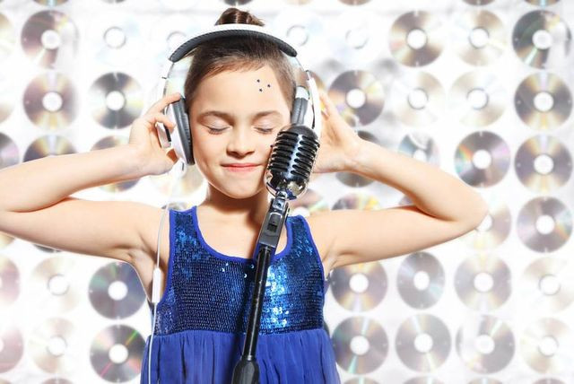 Best Christmas Gifts for kids, Singing for x factor. Recording studio day in cornwall