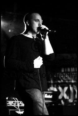 Darren - Singer   Guitar