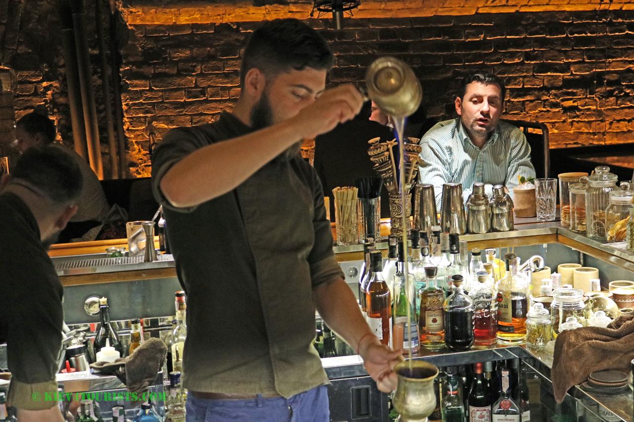Cocktail barista