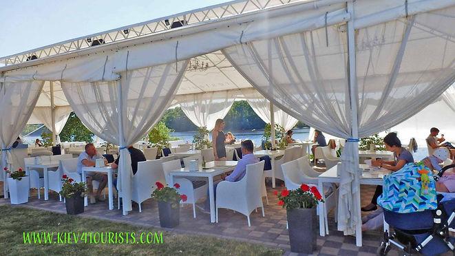 River Grill restaurant