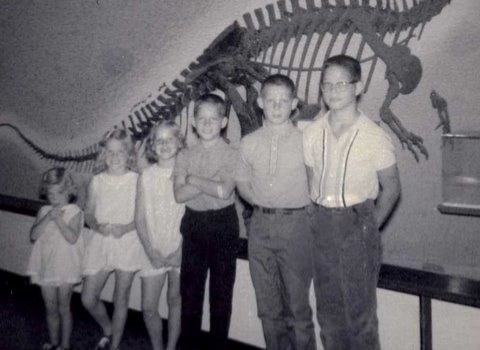 All six kids at Smithsonian