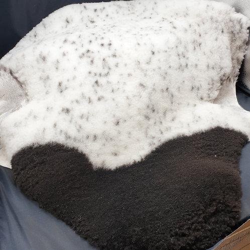 Unika Lammfällar 35mm korthårig Dorperkorsning med prickar