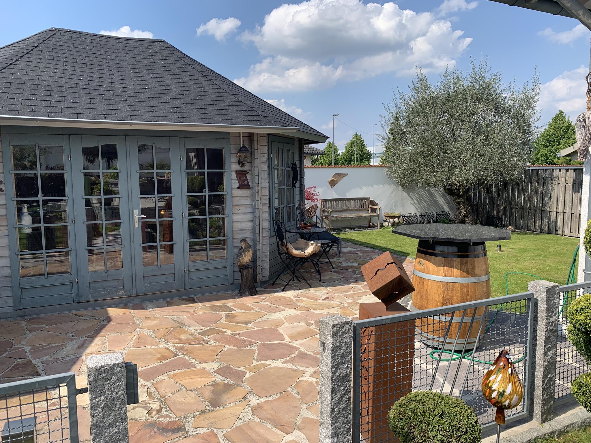 Neuanlage eines Garten mit Häuschen