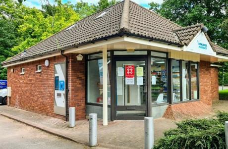 Rowlands Pharmacy, West Paddock