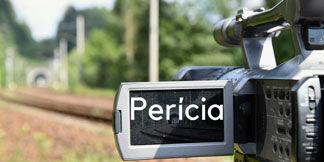 Imagem de uma câmera com palavra perícia